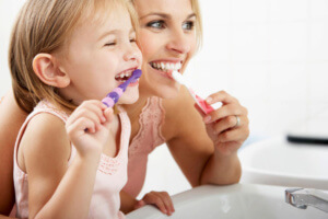 brushing-teeth-children